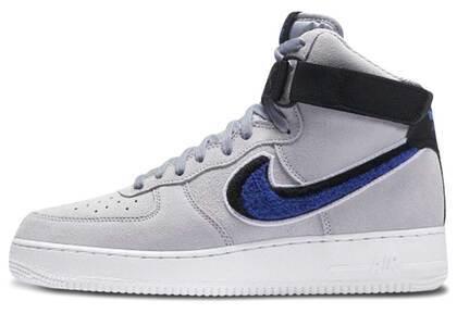 Nike Air Force 1 High Chenille Swoosh Wolf Greyの写真