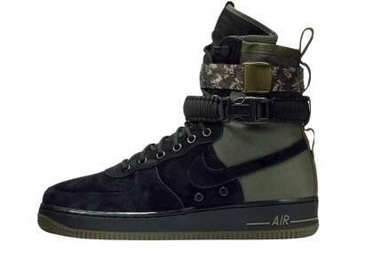 Nike SF Air Force 1 High Camoの写真