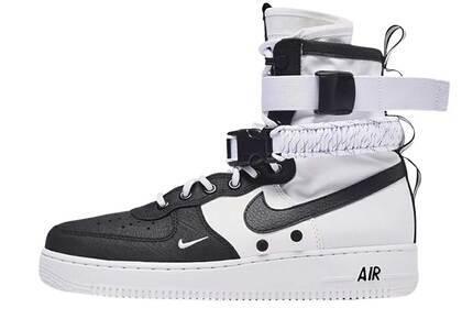 Nike SF Air Force 1 High Pandaの写真