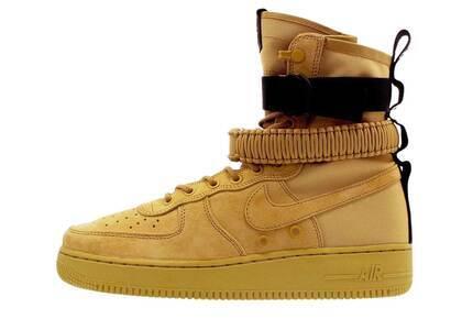 Nike SF Air Force 1 High Club Goldの写真