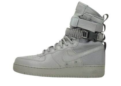 Nike SF Air Force 1 Dust Greyの写真