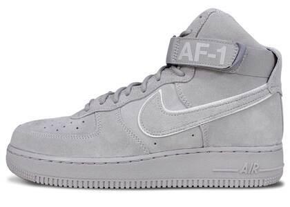 Nike Air Force 1 High Dark Stuccoの写真