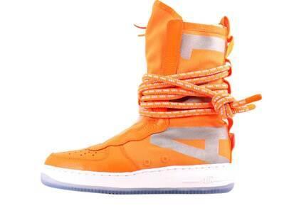 Nike SF Air Force 1 High Total Orangeの写真
