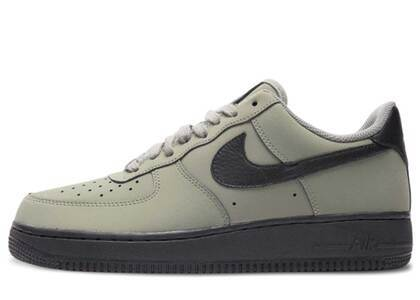 Nike Air Force 1 Low Dark Stuccoの写真