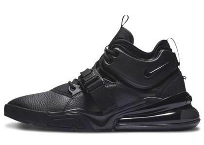 Nike Air Force 270 Triple Blackの写真