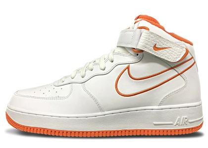 Nike Air Force 1 Mid Terra Orangeの写真