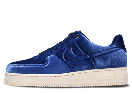 Nike Air Force 1 Low Premium 3 Velour Blue Voidの写真