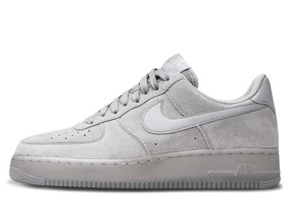 Nike Air Force 1 '07 LV8 Grey Suedeの写真