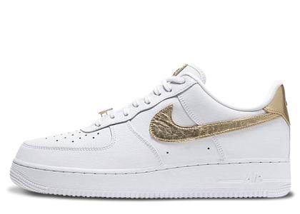Nike Air Force 1 Low White Metallic Gold (2020)の写真