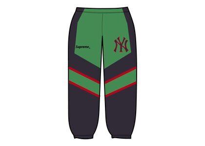 Supreme New York Yankees Track Pant Green (FW21)の写真