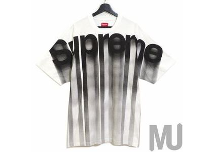 Supreme Bleed Logo S-S Top Whiteの写真
