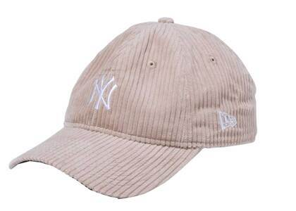 New Era 9twenty Easy Snap Corduroy New York Yankees Mid Logo Beigeの写真