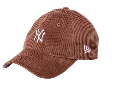 New Era 9twenty Easy Snap Corduroy New York Yankees Mid Logo Brownの写真