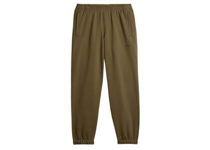 Pharrell Williams × adidas Originals Basics Sweat Pants Gender Neutral Oliveの写真