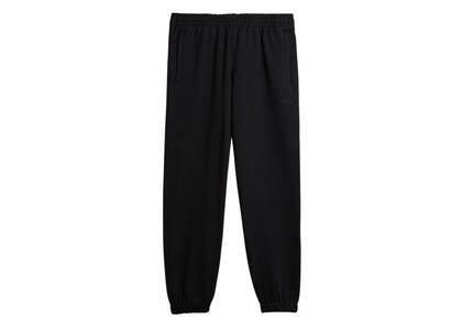 Pharrell Williams × adidas Originals Basics Sweat Pants Gender Neutral Blackの写真