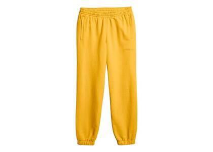 Pharrell Williams × adidas Originals Basics Sweat Pants Unisex Bold Goldの写真