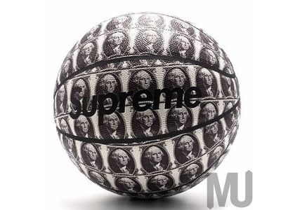 Supreme Spalding Washington Basketball Whiteの写真