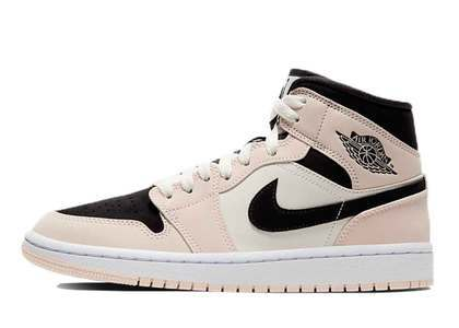 Nike Air Jordan 1 Mid SE Crimson Tint/Guava Ice Womensの写真