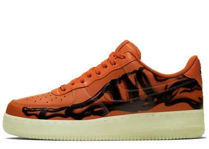 Nike Air Force 1 07 Skeleton  Brilliant Orangeの写真
