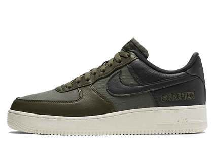 Nike Air Force 1 Gore-Tex Medium Oliveの写真