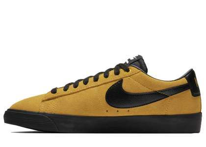 Nike SB Zoom Blazer Low GT University Gold Blackの写真