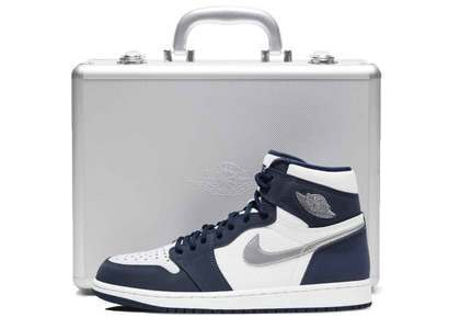 Nike Air Jordan 1 Retro High OG Midnight Navy CO.JP With Duralumin Caseの写真