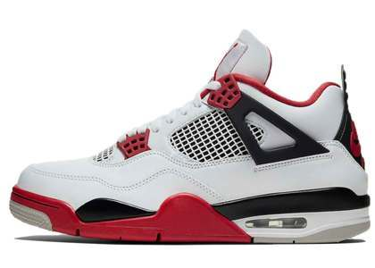 Nike Air Jordan 4 Retro Fire Redの写真