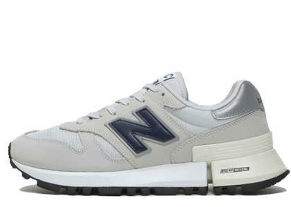 New Balance 1300 Summer Fogの写真
