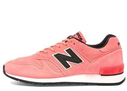 New Balance 670 Pink Neonの写真