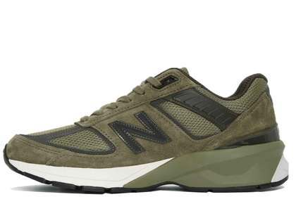 New Balance 990v5 Covert Greenの写真