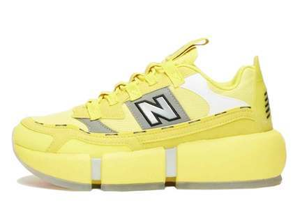 Jaden Smith × New Balance Yellowの写真