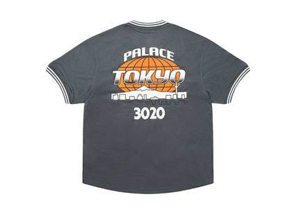 Palace × New Era Tee Greyの写真
