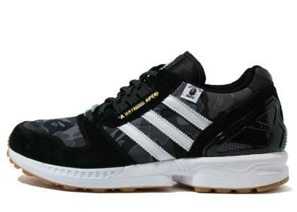 Bape x Undefeated x Adidas ZX 8000 Blackの写真