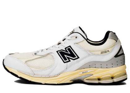 Thisisneverthat × New Balance 2002R Whiteの写真