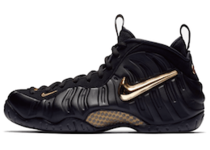 Nike Air Foamposite Pro Black Metallic Goldの写真