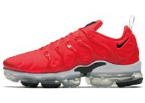 Nike Air Vapormax Plus Bright Crimson White Blackの写真