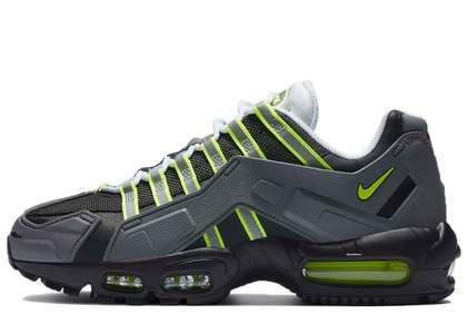 Nike NDSTRKT Air Max 95 Neonの写真