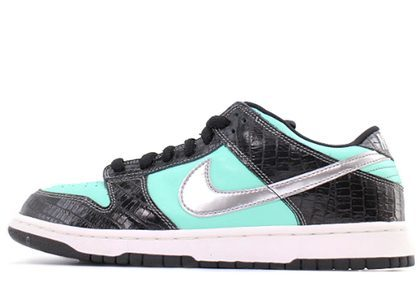 Diamond Supply × Nike Dunk SB Low Tiffanyの写真