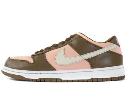 Stussy × Nike Dunk SB Low Cherryの写真