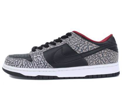 Supreme × Nike Dunk SB Low  Black Cement (2002)の写真