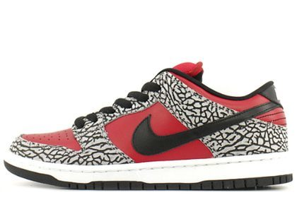Supreme × Nike Dunk SB Low  Red Cement (2012)の写真