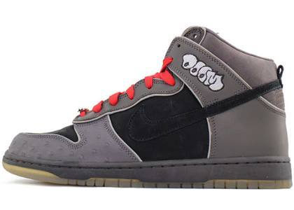 Nike Dunk SB High MF Doomの写真