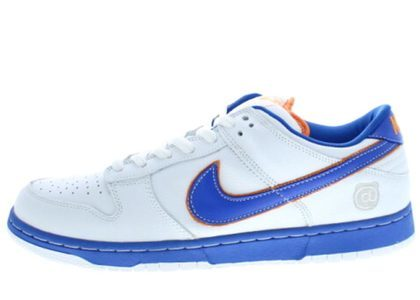 Medicom Toy × Nike SB Dunk Low  Whiteの写真