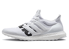 UNDEFEATED × ADIDAS ULTRA BOOST 2018 WHITEの写真