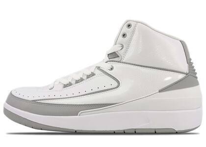 Nike Air Jordan 2 Retro Silver 25th Anniversaryの写真