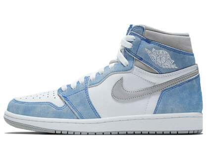 Nike Air Jordan 1 Retro High OG Hyper Royalの写真