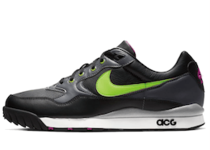 Nike Air Wildwood ACG Electric Green Black Hyper Violetの写真