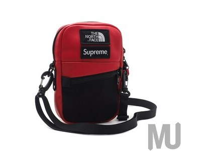 Supreme The North Face Leather Shoulder Bag Redの写真