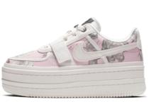 Nike Vandal 2K Floral White Womensの写真