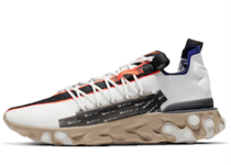 Nike ISPA React Low Summit Whiteの写真